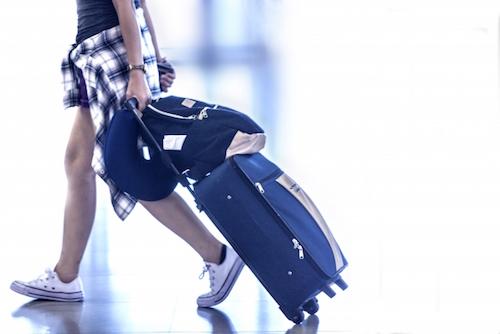 古いスーツケースをいつまでも使うべきなのか